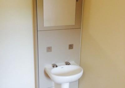 Anti-ligature sink unit